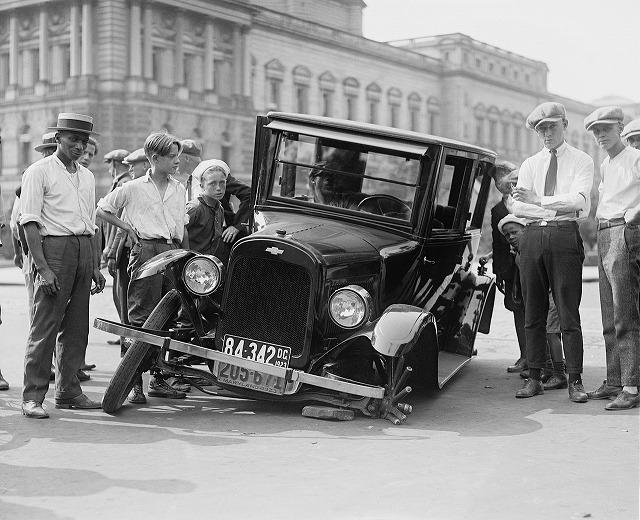 いくらの修理なら車両保険を使用するべきか!?新制度による保険料は?