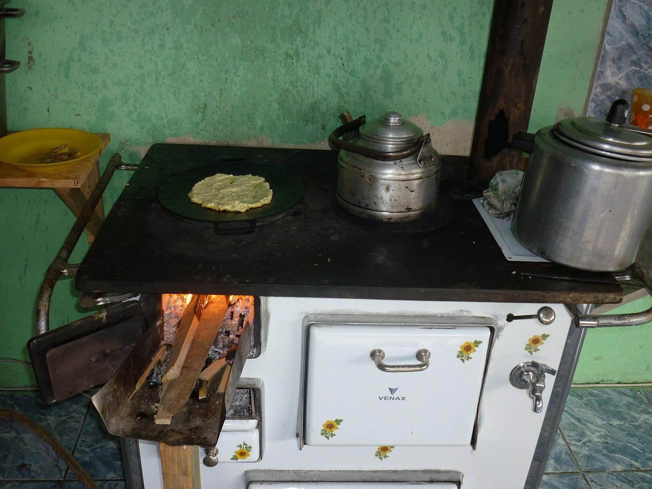 wood-stove-72713_1280
