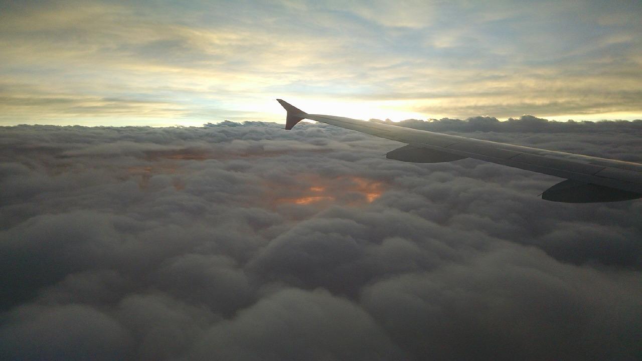 airplane-614866_1280